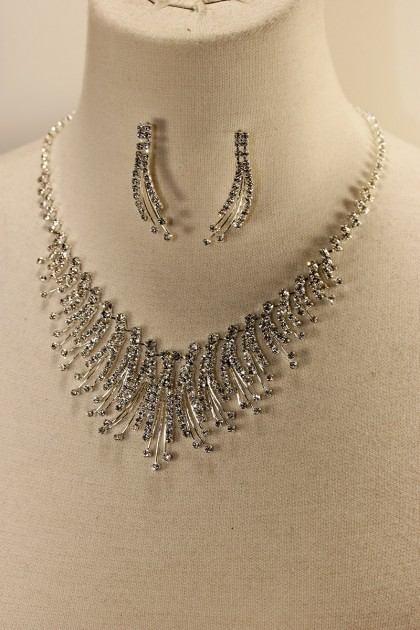 Snow flower rhinestone necklace set