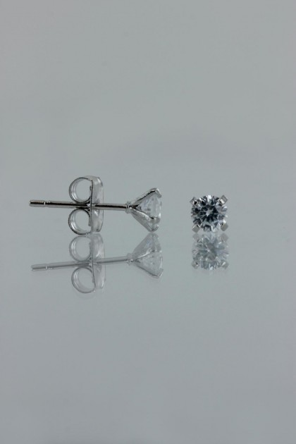 4MM AAA Quality one point up CZ Earring