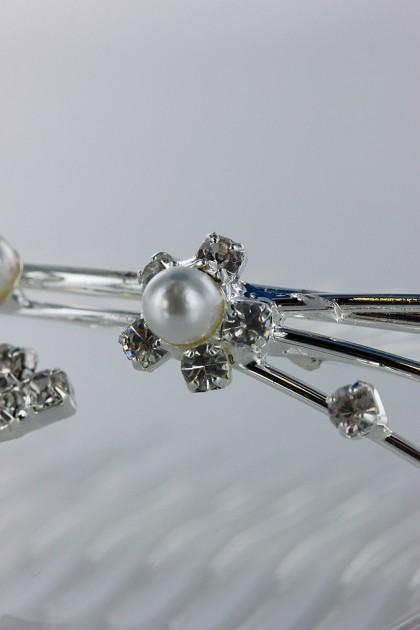 Pearl tiara comb
