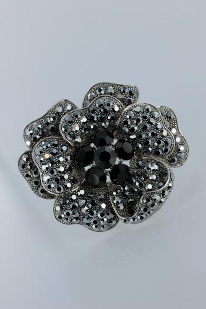 Beautiful flower brooche jewelry for wedding