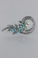 Timeless antique style brooch