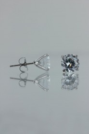 CZ-501 8MM AAA Quality one point up CZ earring