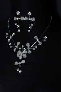 6 Lovely prom girl necklace set