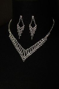 6 pretty b necklace set