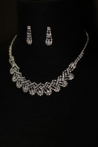 snow ball round necklace set