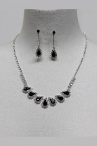 Ladylike Rhinestone Necklace