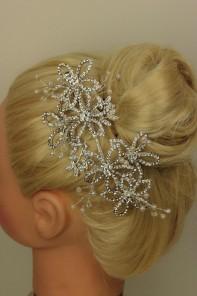 Wedding Flower Pearl Clip
