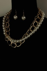 Modern chain with pearl necklace set