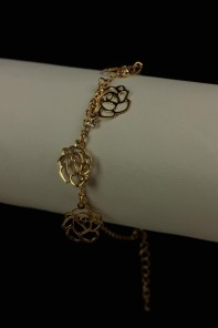 Rose dangle bracelet