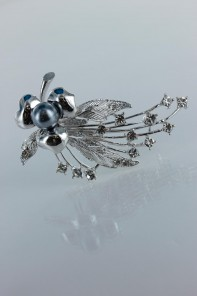Brency brooch