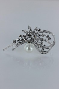 Traditional pearl brooch