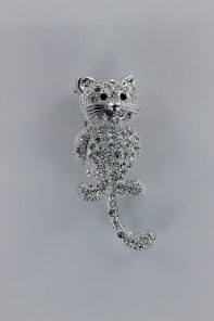 Tail dangle cat brooch