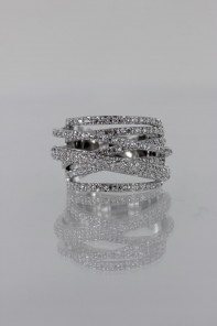 Dimentional CZ Ring