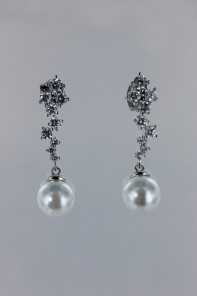 ice cube dangling pearl cz earring