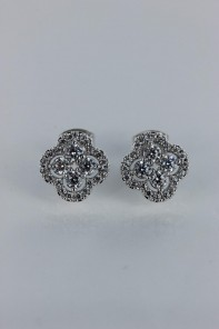Luxury leaf motif cubic zirconia earring