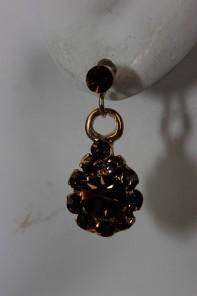 Small water drop stud earring