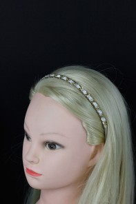 Connected round line headband
