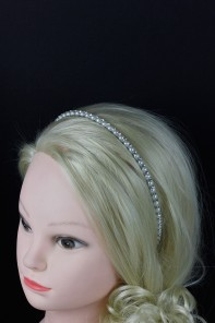 Contempo headband with pearl