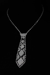 Necktie style necklace