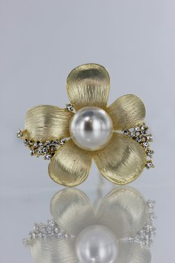 kelly pearl hair stick