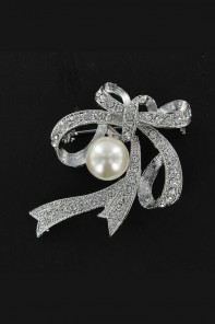 PEARL BROOCHES JEWELRY