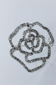 Rose brooch for wedding event