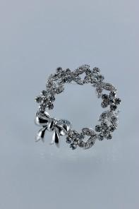 Flower ribbon brooch jewelry