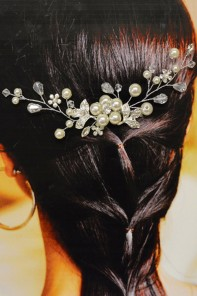 pearl flower bridal comb